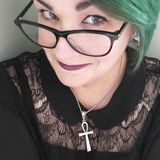 dj from quebec city wear glass and with green hair