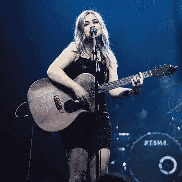 Sophie Dorsten indie pop singer songwriter Arizona